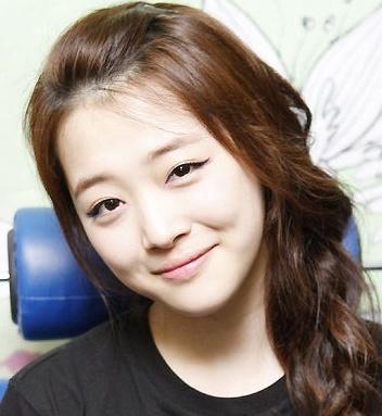 Girl Group Members Makeup Face Vs No Makeup Face Kpop Life